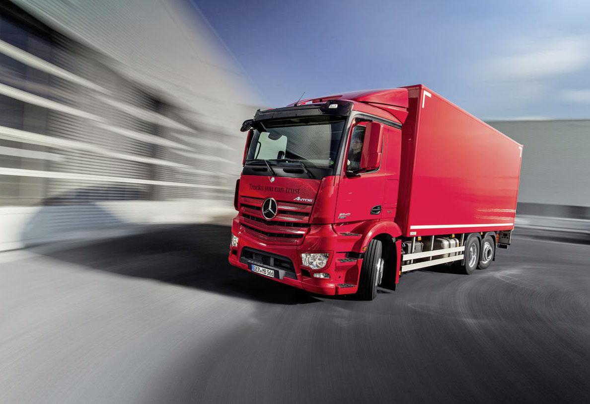 DHL sceglie Mercedes - Actros Antos camion DHL Express Italy Mercedes-Benz trucks veicoli -Notizie Pillole Veicoli industriali e leggeri - MC5.0-Macchine Cantieri