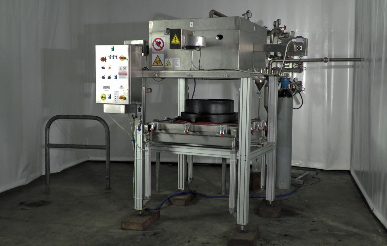 Tyrebirth: il microonde per i pneumatici - CAF (Cooperativa Autotrasportatori Fiorentini) riciclaggio pneumatici Tyrebirth Università di Firenze -Componenti Demolizioni, riciclaggio, ecologia Notizie - MC5.0-Macchine Cantieri 1