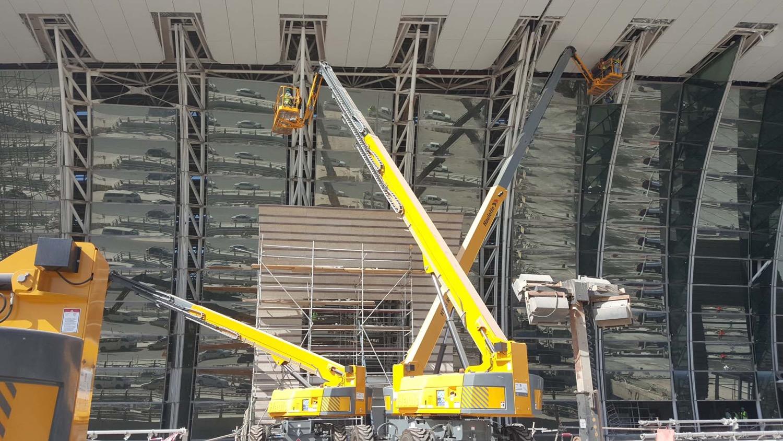 Jeddah: le piattaforme Haulotte al Kaia Airport -  -In quota Notizie Piattaforme aeree - MC5.0-Macchine Cantieri 2