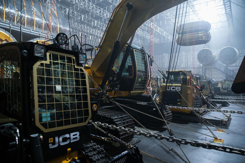 JCB sul set di Alien: Covenan -  -Construction Escavatori Notizie - MC5.0-Macchine Cantieri 1