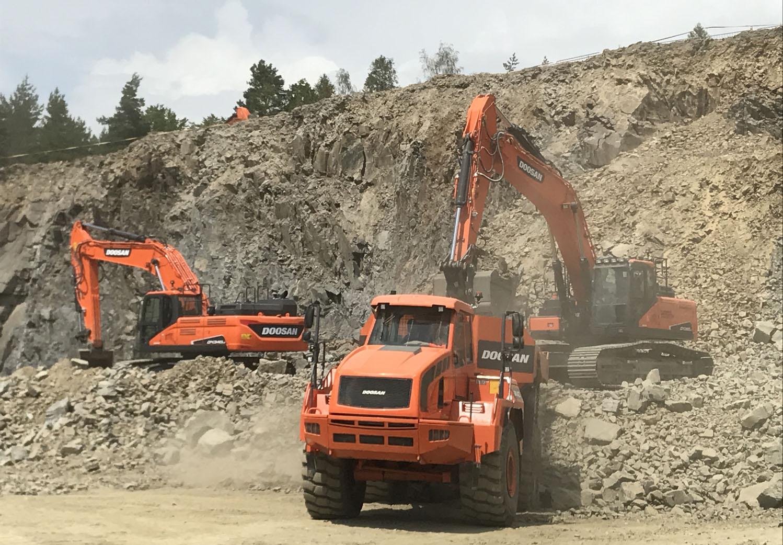 30 macchine Doosan in cava -  -Construction Notizie - MC5.0-Macchine Cantieri 2