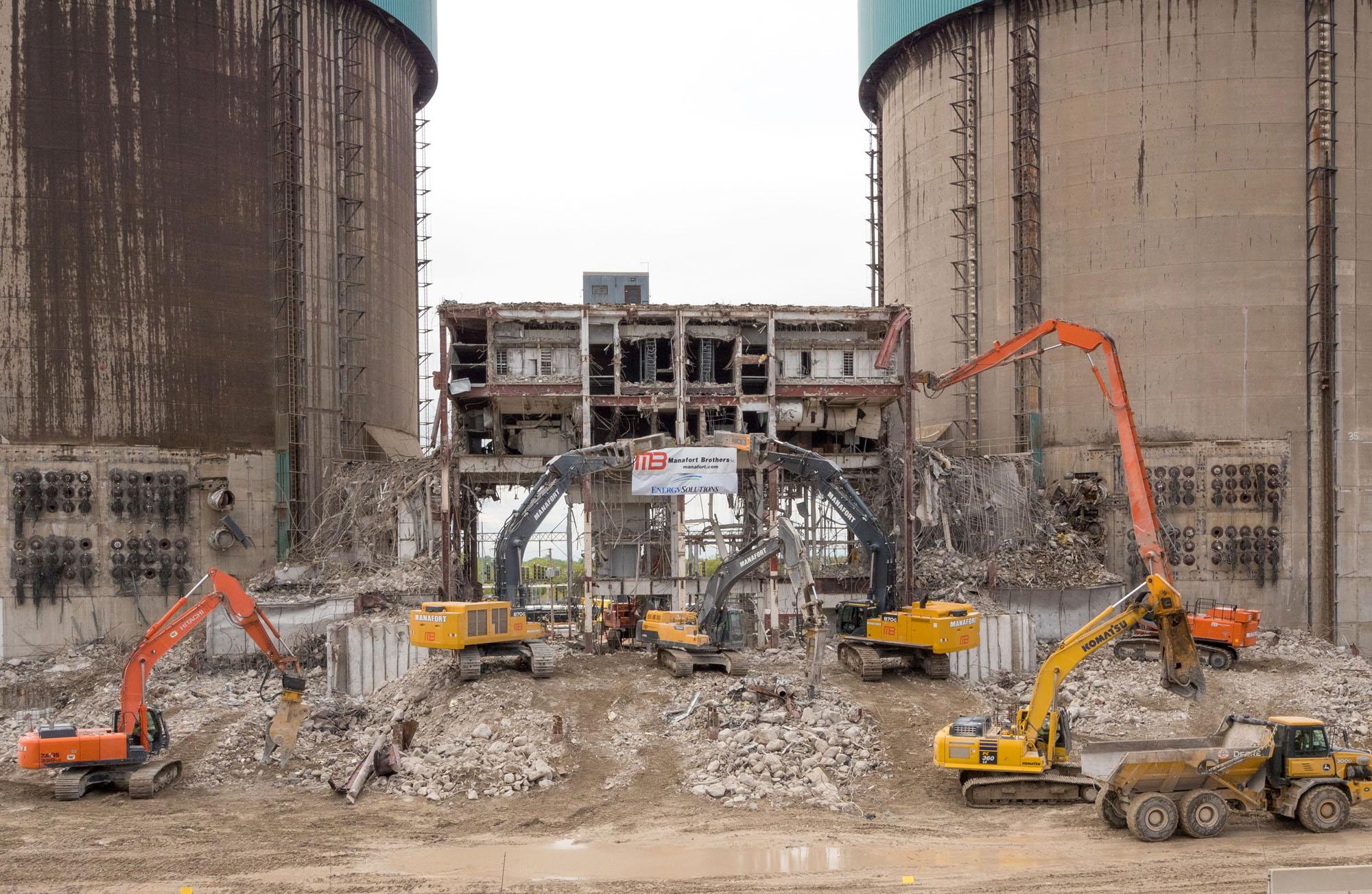 Indeco demolisce la centrale di Zion -  -Attualità Construction Notizie - MC5.0-Macchine Cantieri