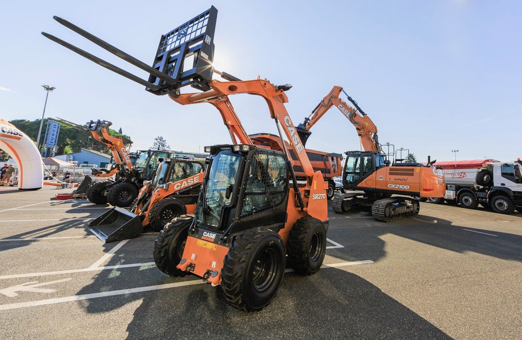 Movimento terra: Ghetti nuovo concessionario CASE -  -Attualità Construction Notizie - MC5.0-Macchine Cantieri 2