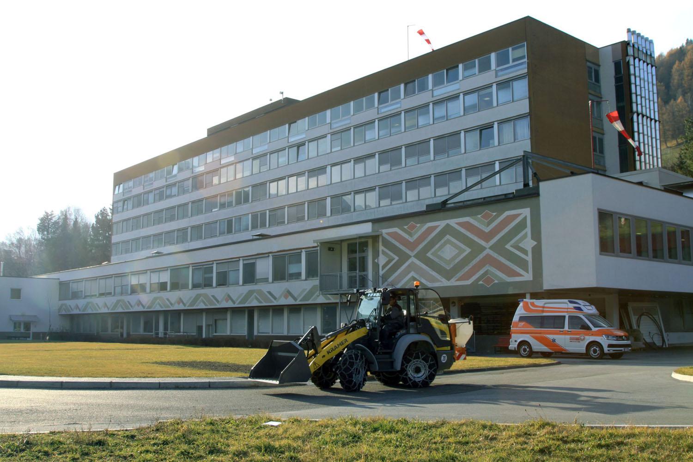 La pala gommata elettrica Kramer 5055E per l'ospedale di Vipiteno -  -Construction Notizie - MC5.0-Macchine Cantieri