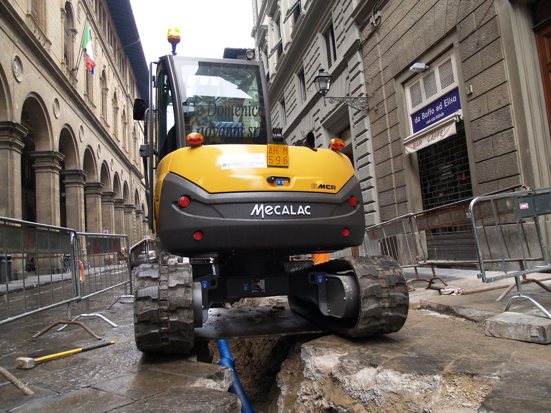 Una Mecalac 6MCR al lavoro a Firenze -  -Notizie - MC5.0-Macchine Cantieri 2