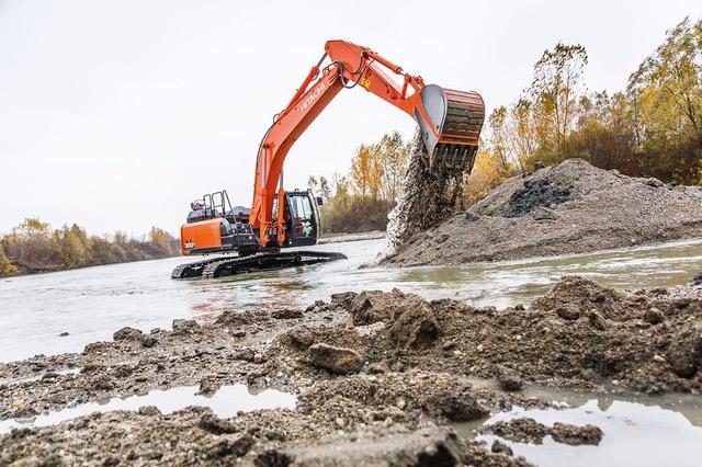 Hitachi ZX300LC-6, una macchina di lusso - escavatore cingolato escavatori cingolati Hitachi -Construction&Movimento Terra Notizie - MC5.0-Macchine Cantieri 2
