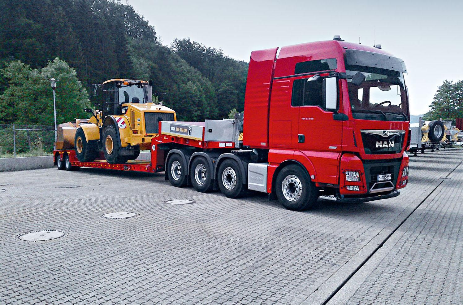 Il nuovo TGX 33.640 di MAN - camion eventi MAN trasporti eccezionali trasporto eccezionale truck veicoli industriali veicolo industriale -Notizie Veicoli industriali e leggeri - MC5.0-Macchine Cantieri 3