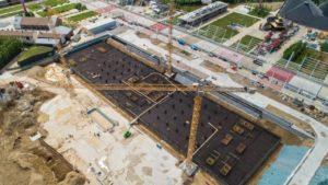 Saranno sei le gru a torre fornite da Niederstätter per il cantiere del nuovo ospedale milanese che sta sorgendo sullarea dellExpo Niederstätter Milano gru a torre Expo