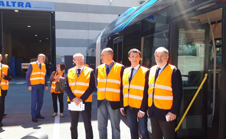 Il sindaco di Genova visita Altra - Altra aziende eventi Heuliez Iveco Iveco Bus veicoli -Notizie Veicoli industriali e leggeri - MC5.0-Macchine Cantieri 1