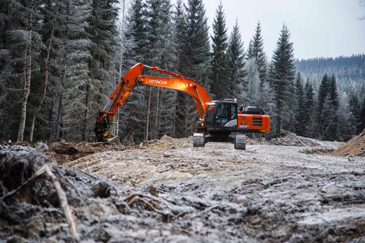 In Norvegia sventola alta la bandiera Hitachi - escavatore cingolato escavatori cingolati Hitachi miniescavatore miniescavatori pala gommata pale gommate -Construction&Movimento Terra Notizie - MC5.0-Macchine Cantieri 4