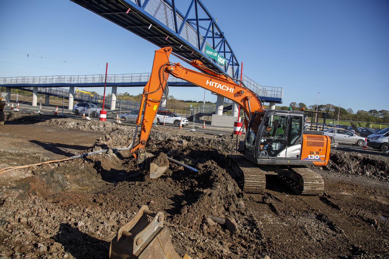 Hitachi nel segno della sicurezza - escavatore cingolato GFJV Hitachi RB McGeary Contracts -Construction&Movimento Terra Notizie - MC5.0-Macchine Cantieri 3