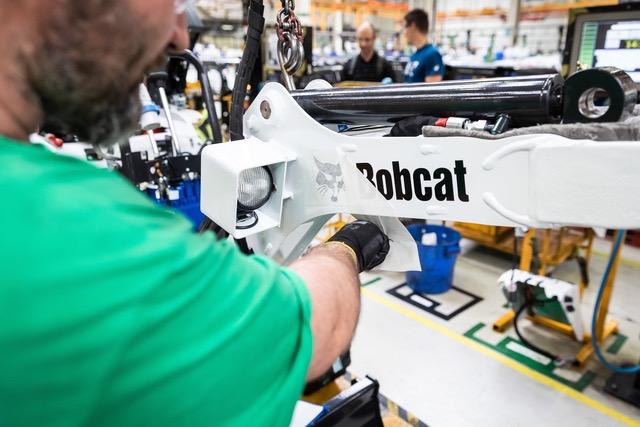 Tutto esaurito per il primo slot produttivo 2019 del nuovo miniescavatore elettrico Bobcat E10e miniescavatori elettrici miniescavatori miniescavatore elettrico miniescavatore Bobcat