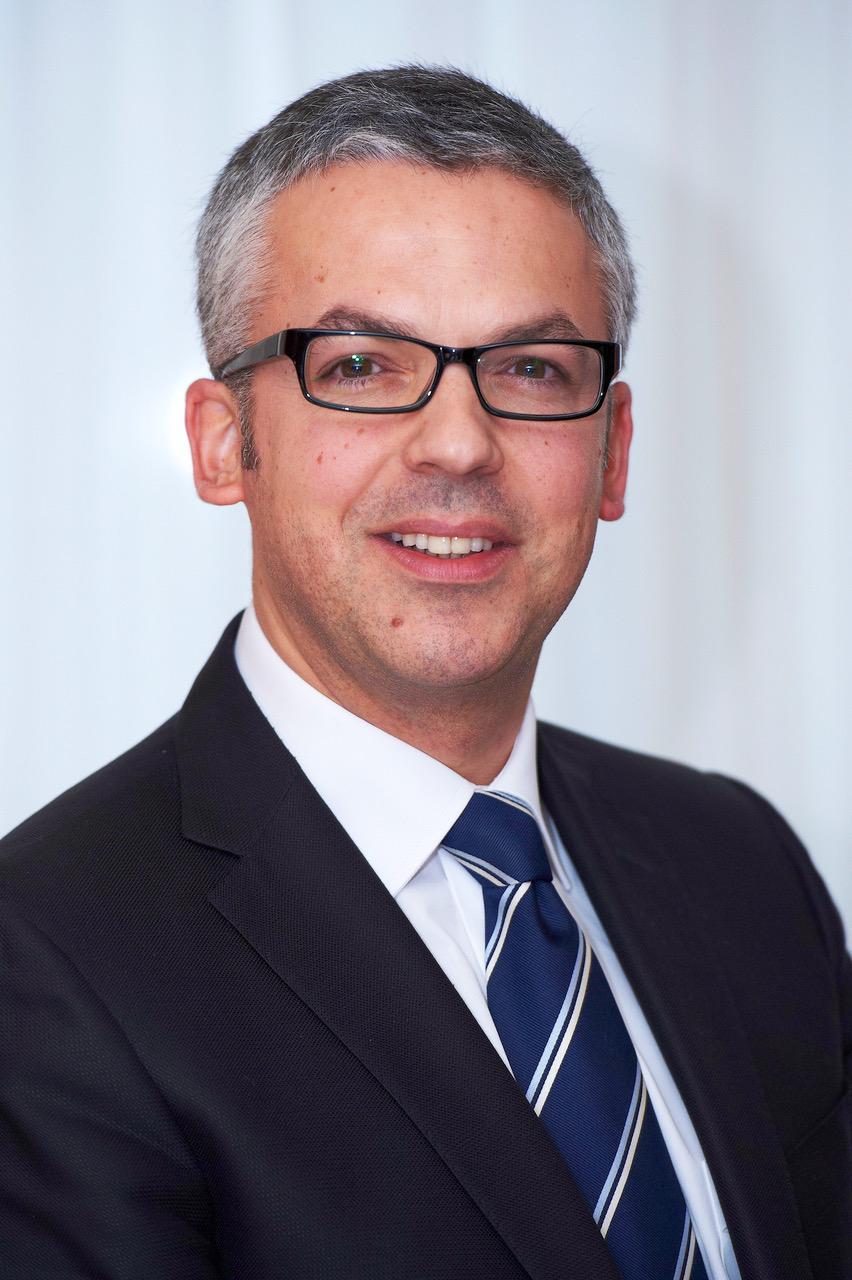 Emilio Portillo è nuovo Direttore per lo Sviluppo della Rete Case in Europa - Case dealer macchine movimento terra -Construction&Movimento Terra Notizie - MC5.0-Macchine Cantieri