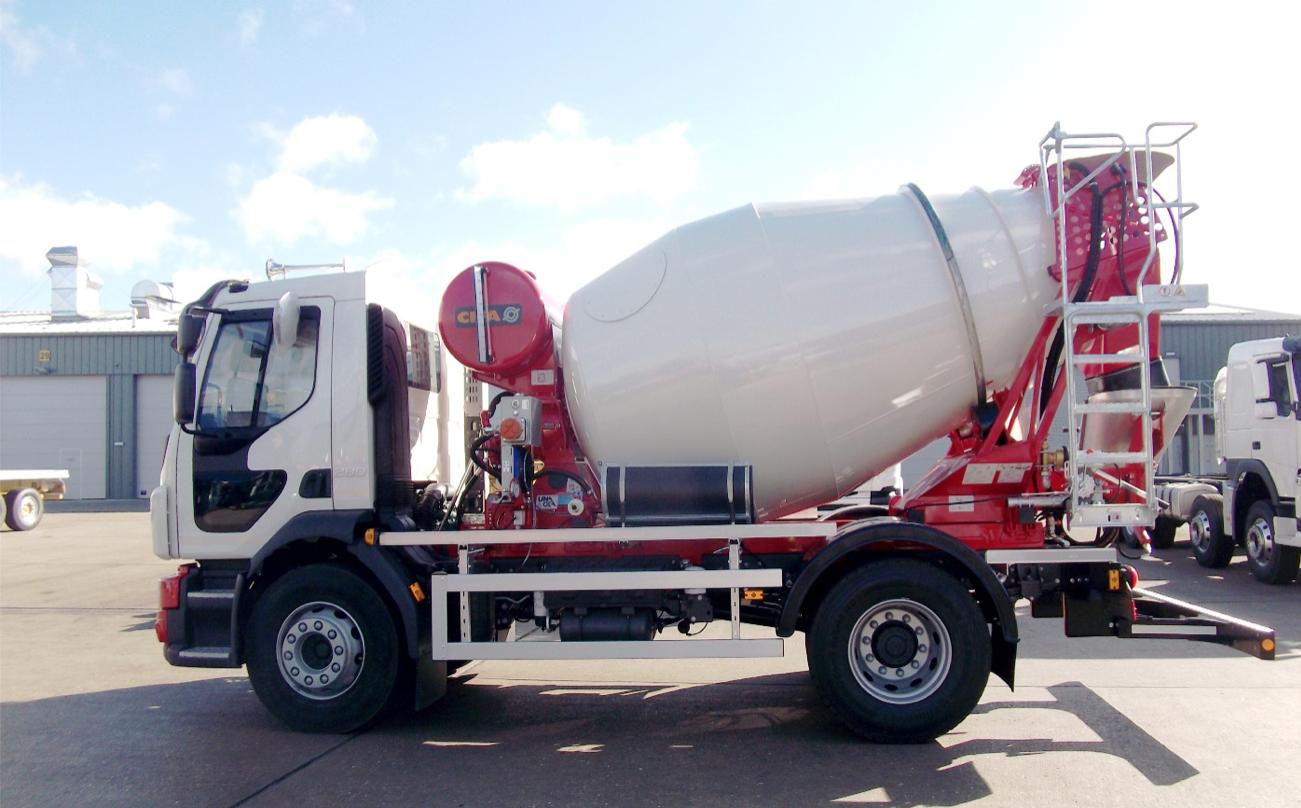 Refresh è il nuovo dealer di Cifa per alcune regioni del Sud Italia - autobetoniere betonpompe bracci di distribuzione Cifa macchine per il tunneling. pompe autocarrate pompe stazionarie Refresh -Calcestruzzo Notizie - MC5.0-Macchine Cantieri